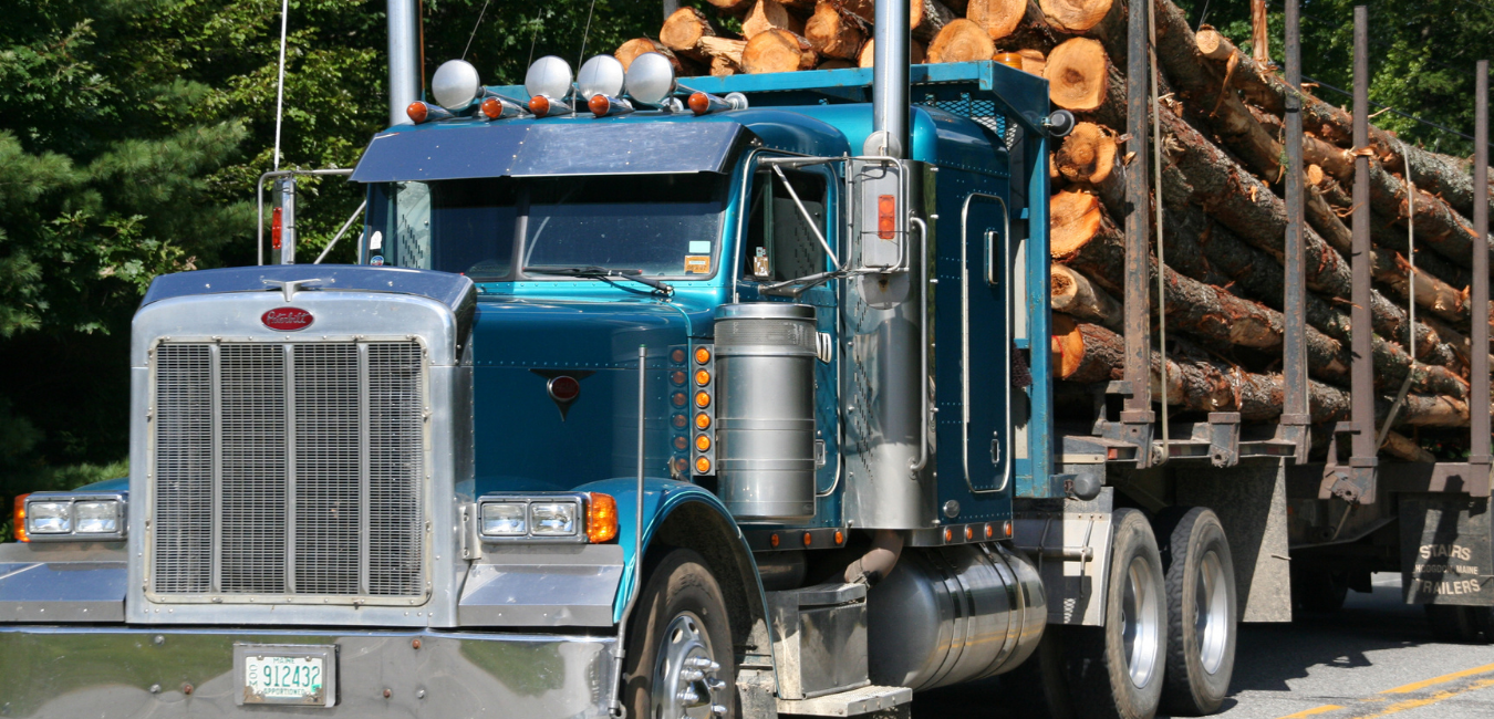 Read more about the article Overloaded Truck Accidents and Falling Debris